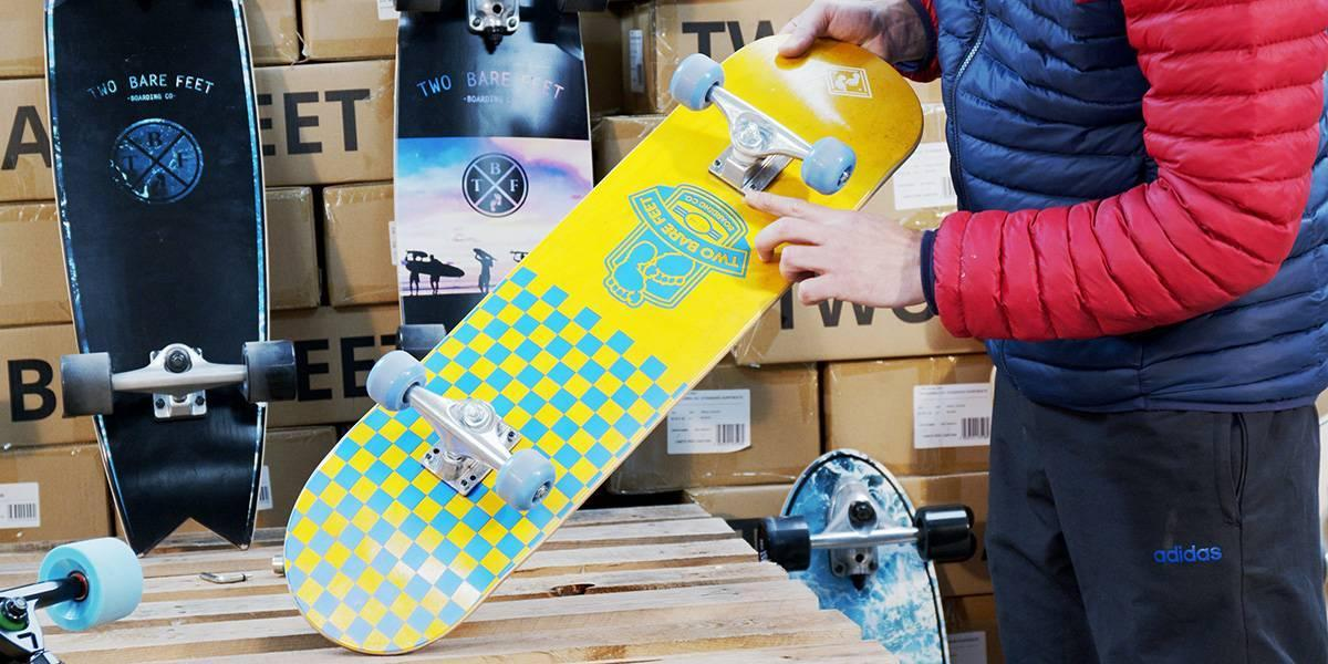 setting up a skateboard